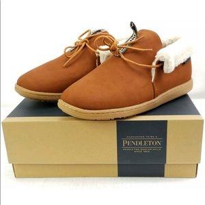 NWT Pendleton Caravan /Cabin fold shoes